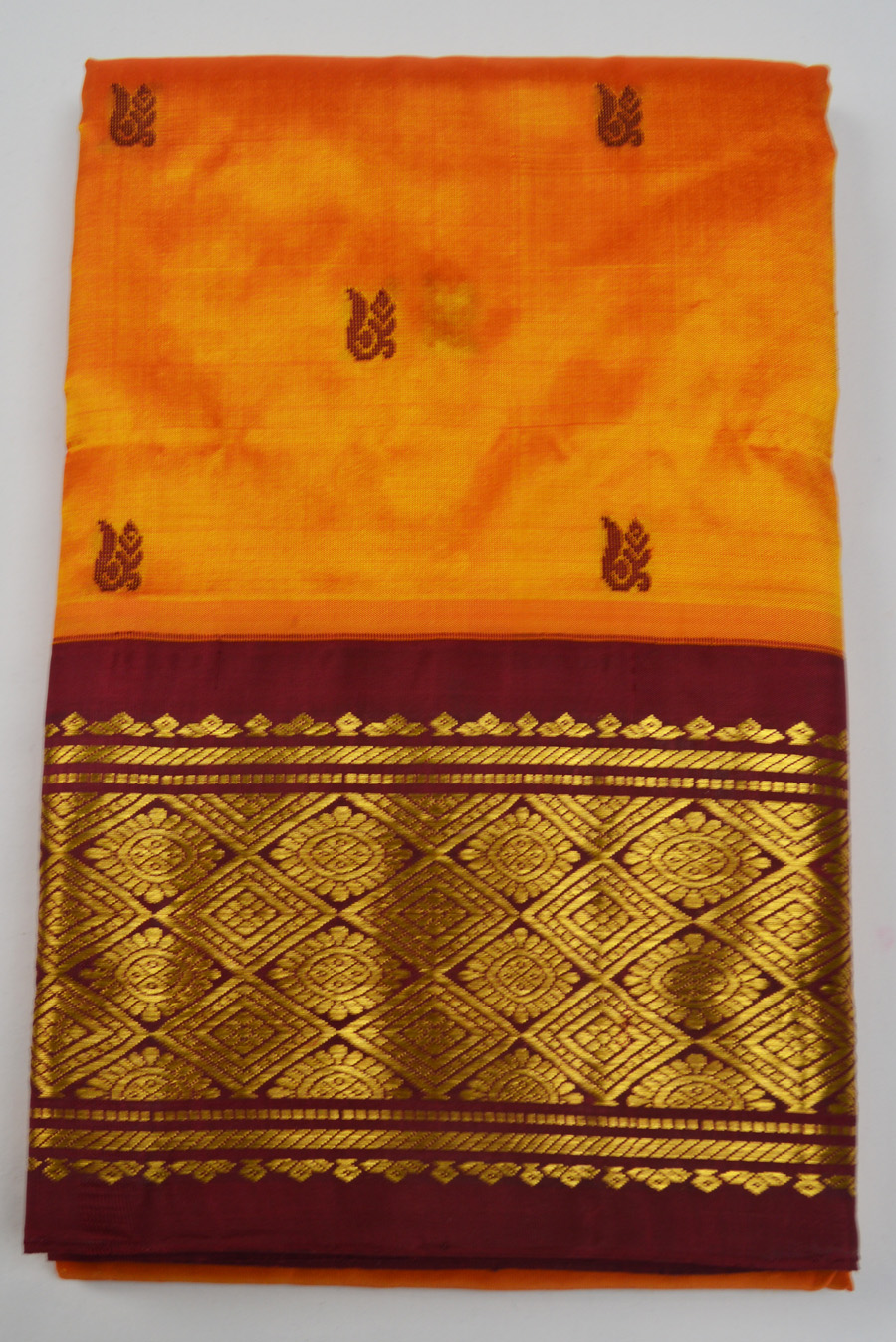 Temple Saree 2446