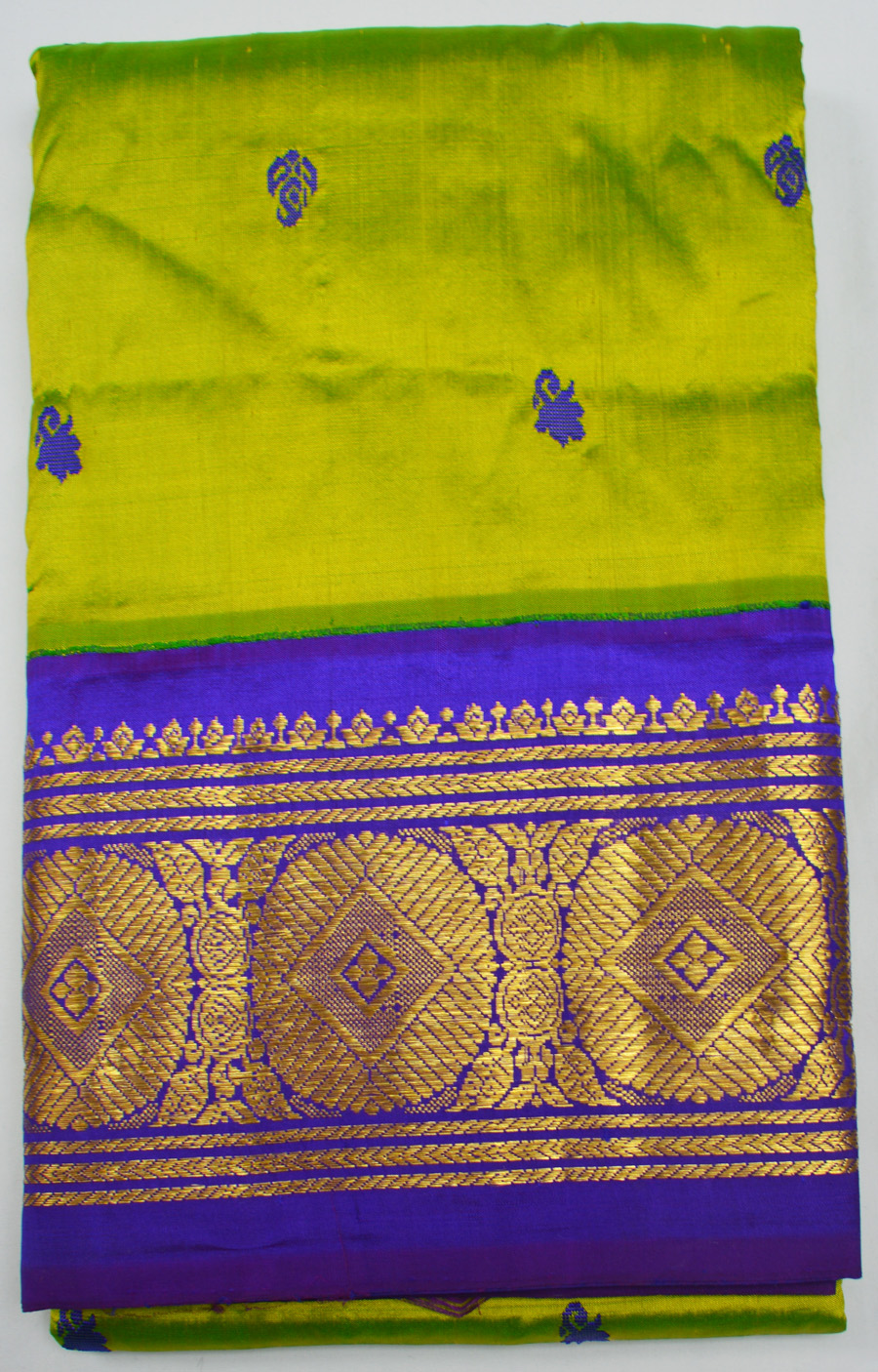 Temple Saree 2447