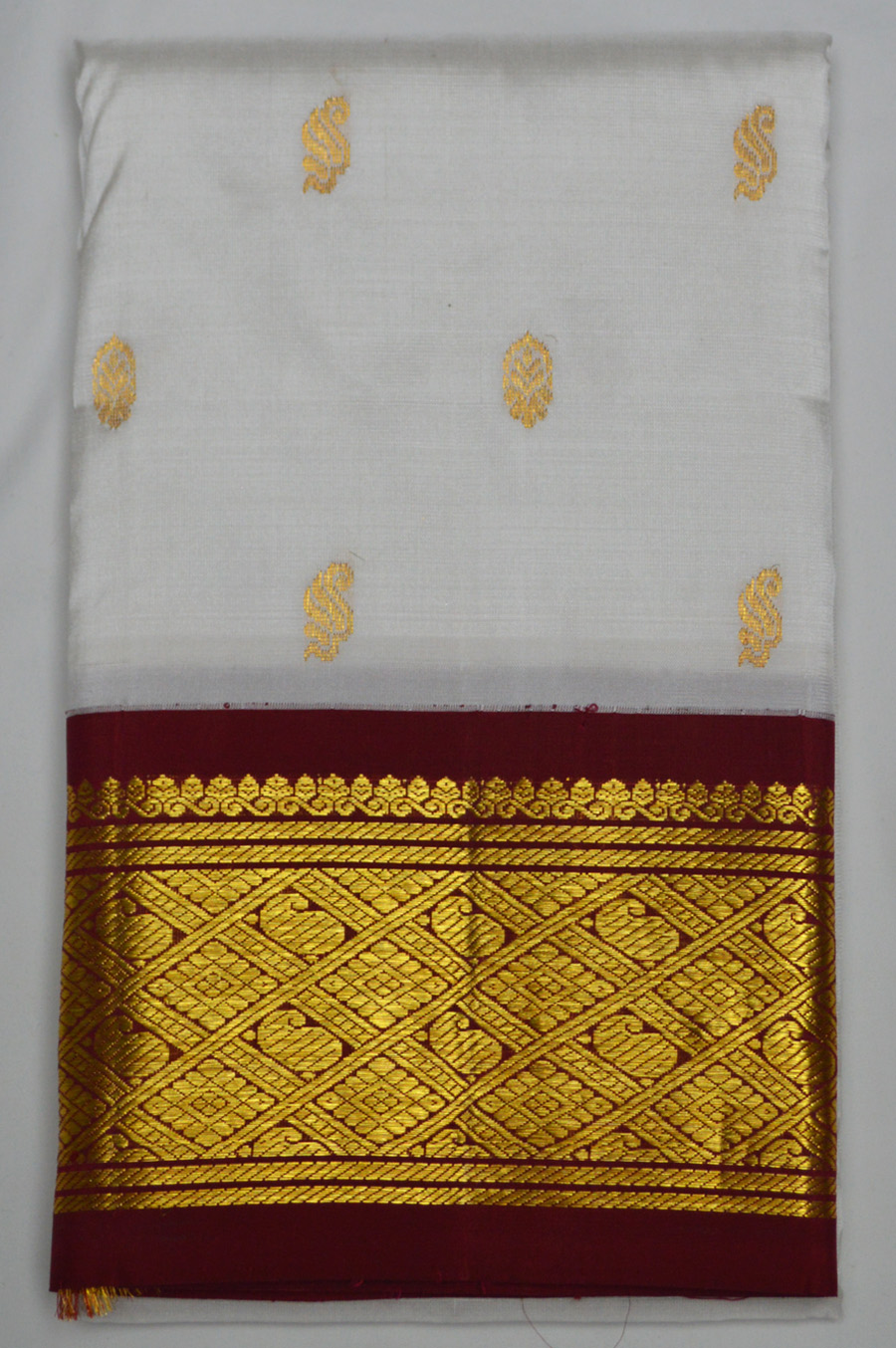 Temple Saree 2851