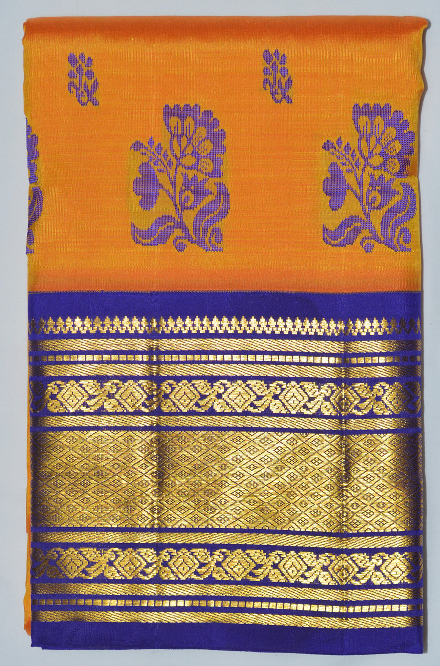 Temple Saree 2865