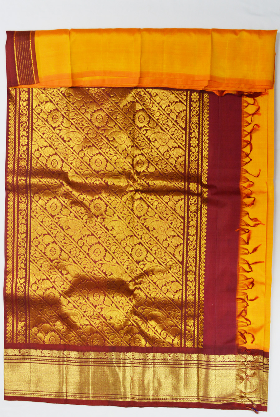 Temple Saree 2909