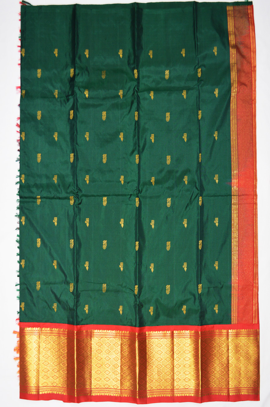Temple Saree 3070