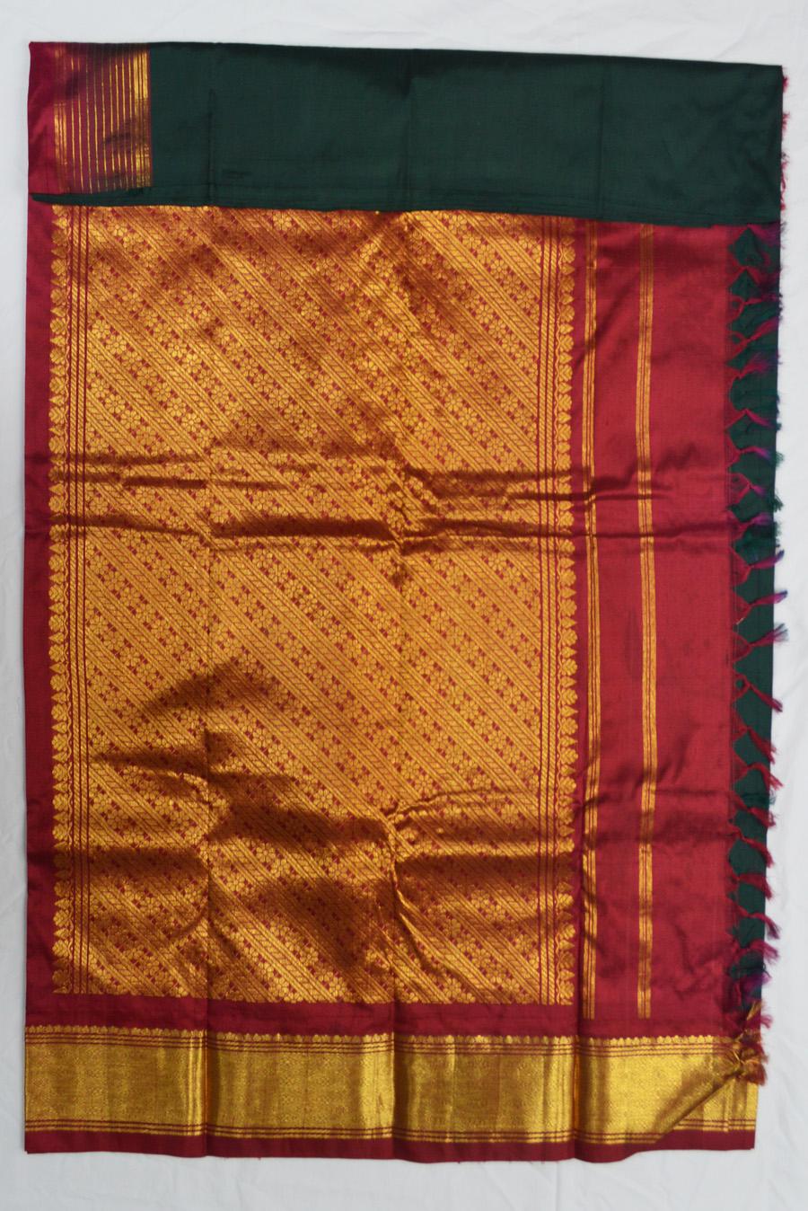 Temple Saree 3076-8
