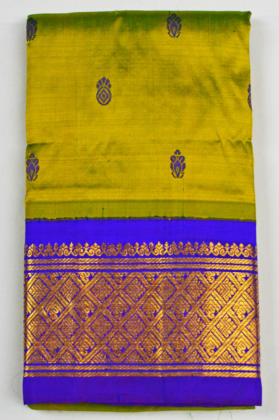 Temple Saree 4706