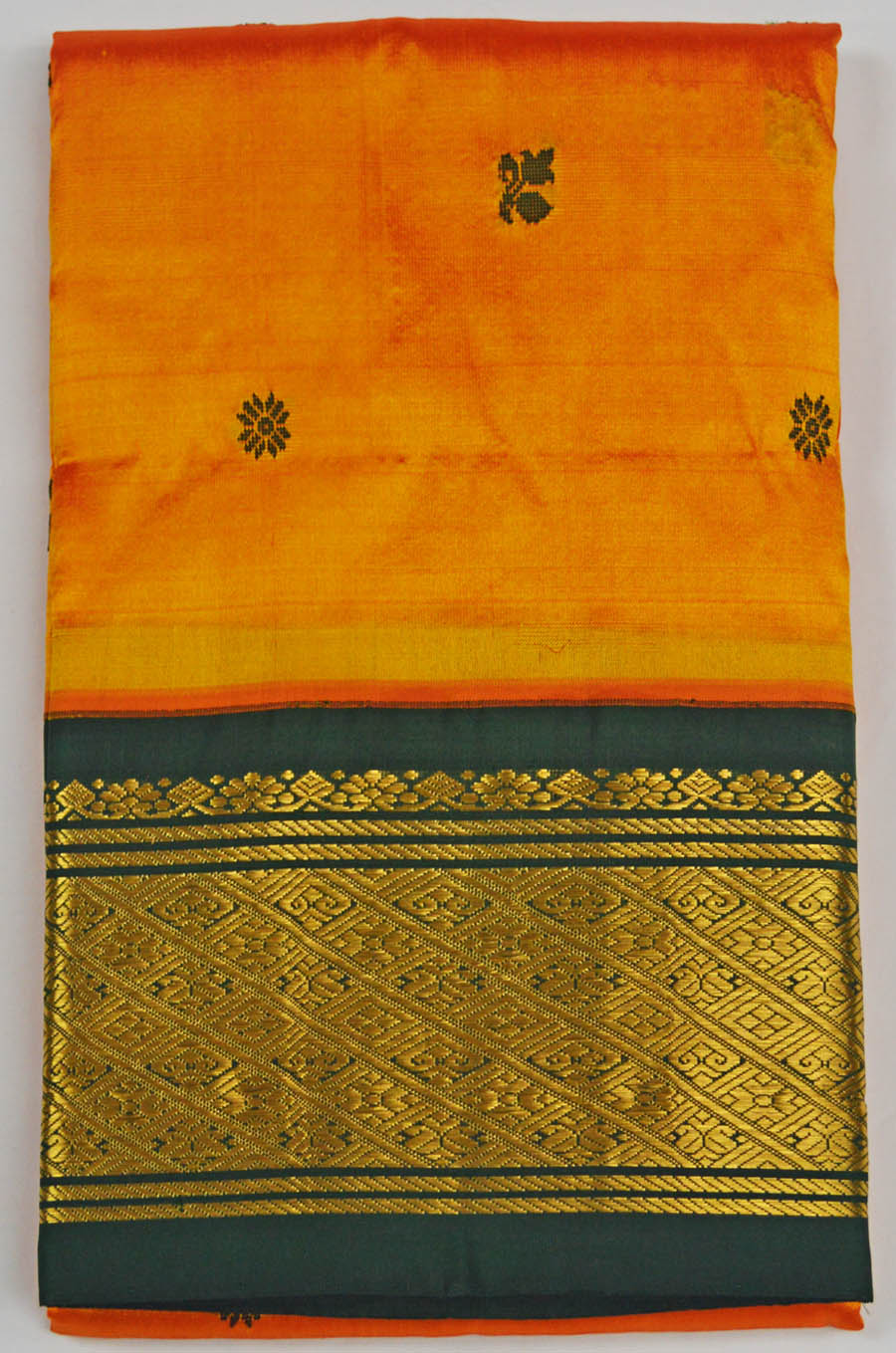 Temple Saree 4951